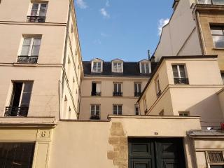 Charming 55m2 private apartment