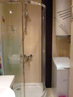 Second bathroom and washing machine