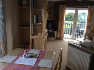 Holiday Caravan in Forfar close to A90, great for sightseeing or family visits