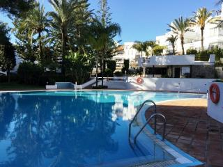 White Pearl Beach apartment at Elviria, Marbella