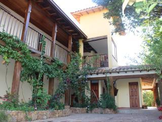 Hermosa Casa Colonial - 12 Personas
