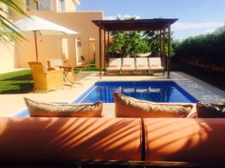 Villa With Private Pool, Few Minutes To The Beach,