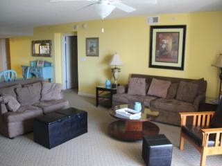 SUMMER Rate special, Newly Updated 4 Bedroom/4bath, North Myrtle Beach