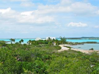 Welcome to 'Whipspray', located on a private peninsula of 6 private lots