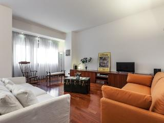 MILANO DARSENA APARTMENT, Overlooking the Navigli Canals, Milan City center