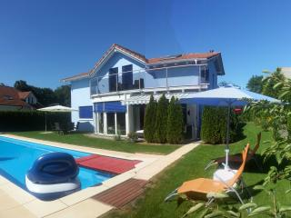 Leon's Holiday Resort Villa 1