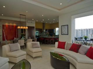 Pleasant and fascinating Penthouse at V399