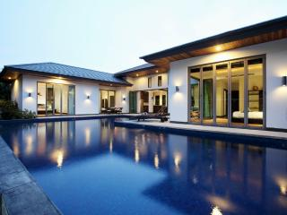 Beautiful Villa with pool 5 min from Bangtao Beach, Cherngtalay