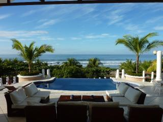 Beautiful Beach Property-your own personal Resort, Pochomil