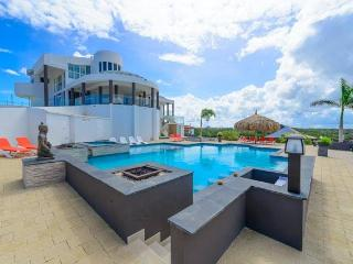 Magnificent mansion with million dollar view of Aruba