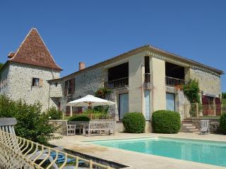 Ferme du XVIII eme restaurée, avec piscine, Francescas