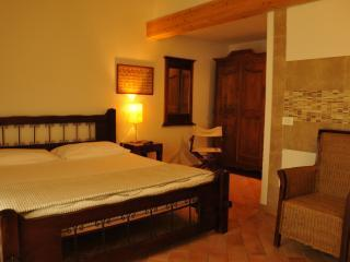 Caterina Residence - Room 9, holiday rental in Faenza