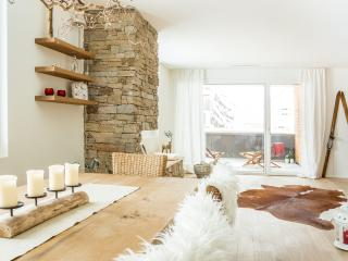 ALPINE CHIC APARTMENT on the Alps, Andermatt