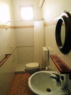 bathroom of the room n.2