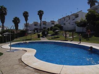 Preciosa casa de 3 dormitorios con piscina y vistas al mar..