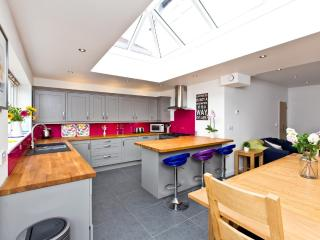 Fairfield House - Stylish house, sleeps 8 - 10 guests near Bakewell