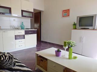 Nice apartment for 2-4 persons!, Makarska