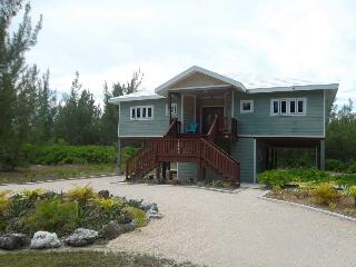 HappyDaze House - Steps to beach - Car available, Treasure Cay