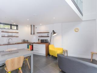 Superb Chic Duplex Apartment, Oxford