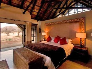 Buffalo Thorn Lodge, Pilanesberg National Park