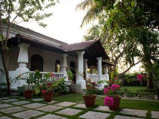 Goa  Hideaway, Moira