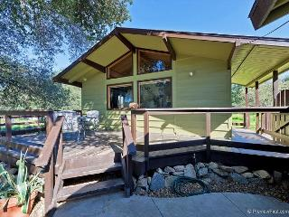 Enchanting 3BR/2BA Contemporary Cottage, Minutes to Historic Julian