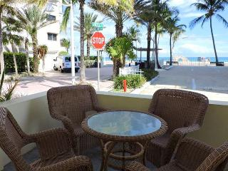 Seabreeze 1 Ocean View for 4 1/1 Hollywood Beach & Broadwalk WIFI