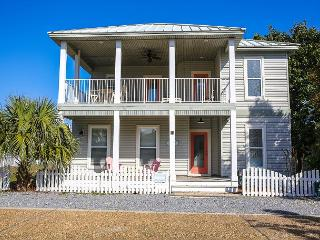 Book Now! March 19-25  6 Nights 15% Off! Charming 3 Bedroom Private Pool, Destin