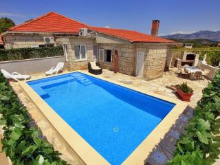 Villa Ivana - Three Bedroom Villa with Pool, Korcula Town