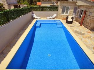Villa Ivana - Three Bedroom Villa with Pool
