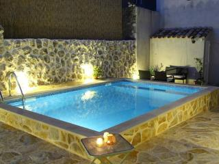 Sunshine villa with private pool near Dubrovnik, Cavtat