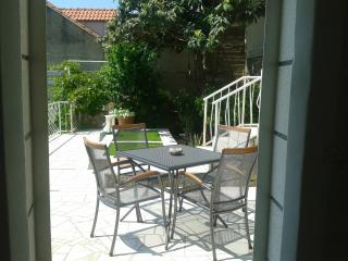 Adriatica Apartment for 6 with sea view in Dubrovnik