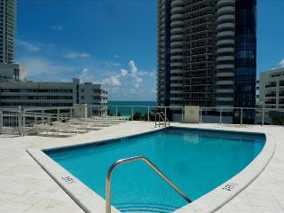 BEACHWALK 3-MIAMI BEACH 2/2  Walk to Beach / Water views / Balcony / Rooftop Pool / Secured Parking, Miami Beach