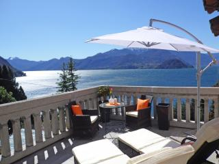 Tulip Apartment With Lake View, Varenna