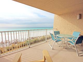 Beach House 204A-2BR-Real JOY Fun Pass-BeachSVC-Gulf Front!-Spacious Balcony
