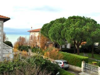 Villetta con giardino -10 posti letto