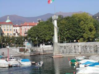 Jonsplace, Verbania