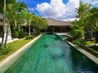 Beautiful villa in seminyak, great situation!LOVE