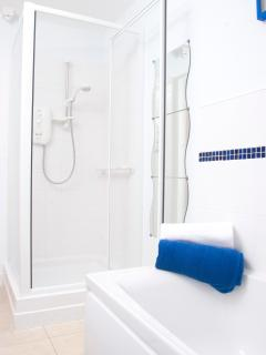 Lovely hot showers to be had at Enderley Lodge