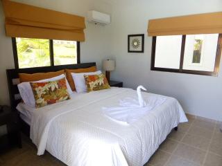 spacious villa with 5 bedrooms, Sosúa