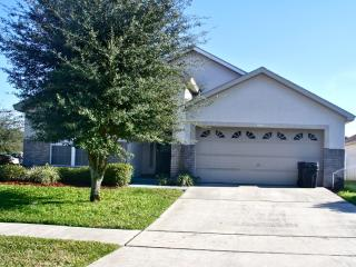 Comfortable,  5 Bedroom pool home - Close to Disney,
