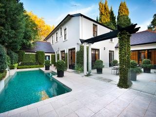 THE WOOLLAHRA MANOR - Contemporary Hotels, Woollahra
