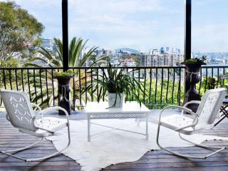 DARLING POINT PAD - Contemporary Hotels, Edgecliff