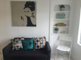 Gallery Apartment 15 min from South Beach, Miami