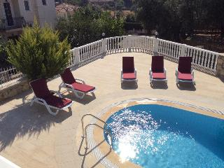 12 BED VILLA WITH 5 BEDROOM,5 BATHROOM, Oludenize, Fethiye
