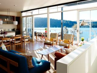 SCOTLAND ISLAND HOUSE - Contemporary Hotels, Scotland Island
