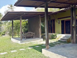 Hillside Tropical Garden Bungalow, Taling Ngam