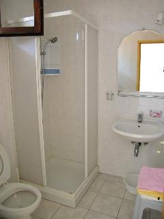 A-mali(3): bathroom with toilet