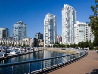 Beautiful 1 bedroom+Den Furnished Condo, Vancouver