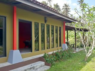 Hillside Tropical Garden Bungalow Deluxe, Taling Ngam